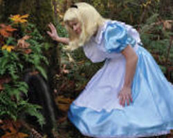 Alice in Gardenland Dinner and Auction | Bellevue.com