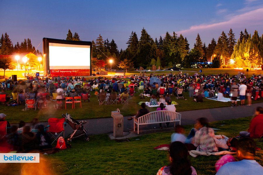 Crossroads Movies in the Park | Bellevue.com